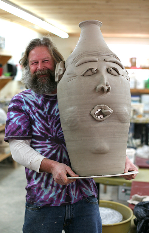 Rob with a big face jug